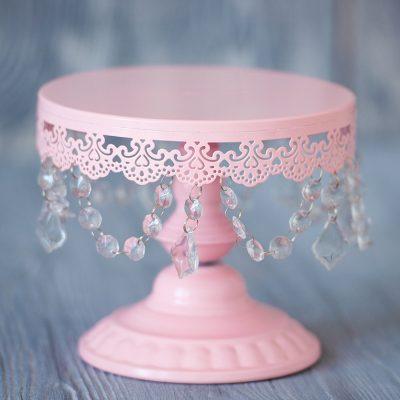 Нежно розовая тортовница с подвесками